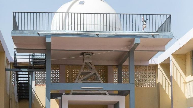 The solar-powered observatory on the roof of a girls' school in rural India