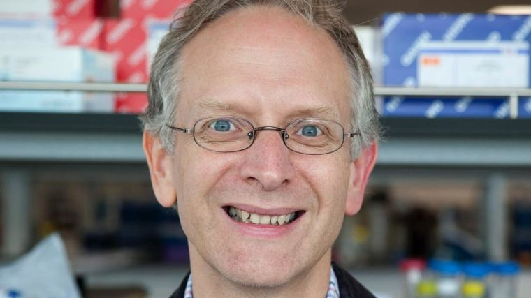 Christopher Buckley joins the Kennedy Institute as a new Director of Clinical Research from May 2017.