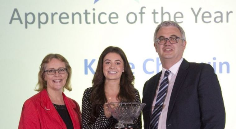 Octru apprentice katie chegwin wins oxfordshire apprentice of the year 2018 award