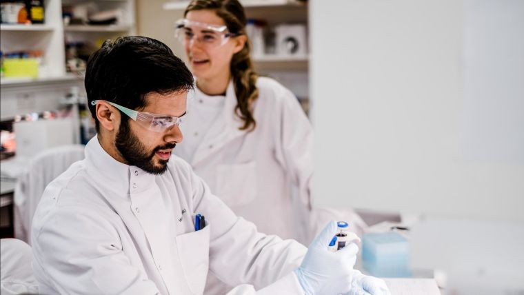 We are committed to training the next generation of scientists in biological and clinical sciences. We offer a three to four year research based DPhil programme, the DPhil in Medical Sciences.