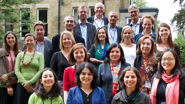 Theorizing the Evolution of European Migration Systems (THEMIS) team at the 'Examining Migration Dynamics: Networks and Beyond' conference