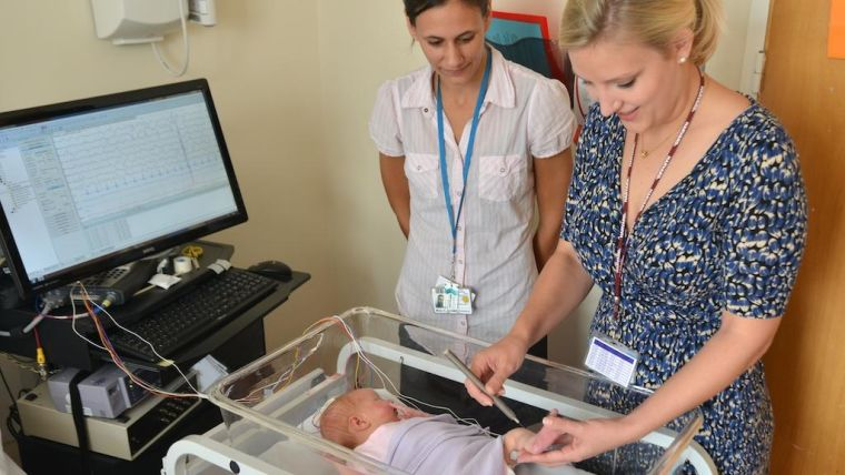 Our research focuses on human neonatal brain development. We undertake mechanistic research, clinical trials, methodology development (MRI, EEG and analytical approaches), with a particular focus on infant pain.