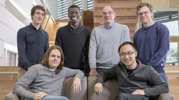 A photo of Jens Rittscher and his 5 Ludwig Oxford group members posing for a group photo in the Target Discovery Institute