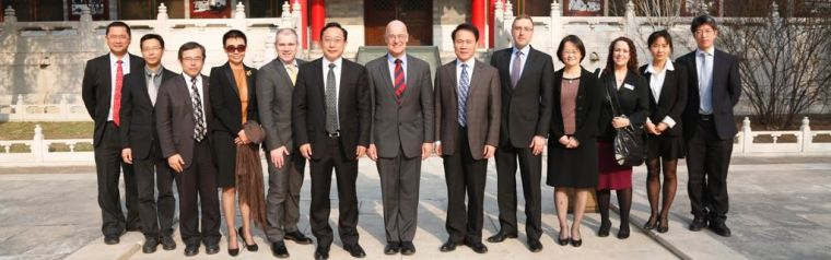 Group photo of delegates at symposium 2013
