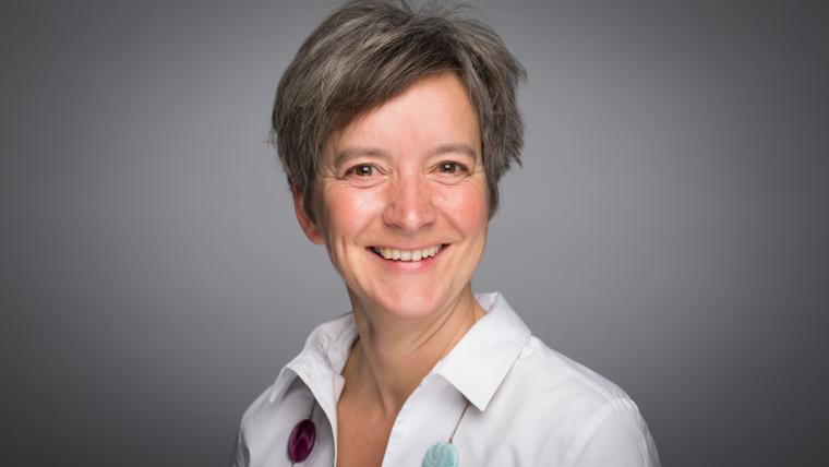 Horizontal portrait of Katja Simon