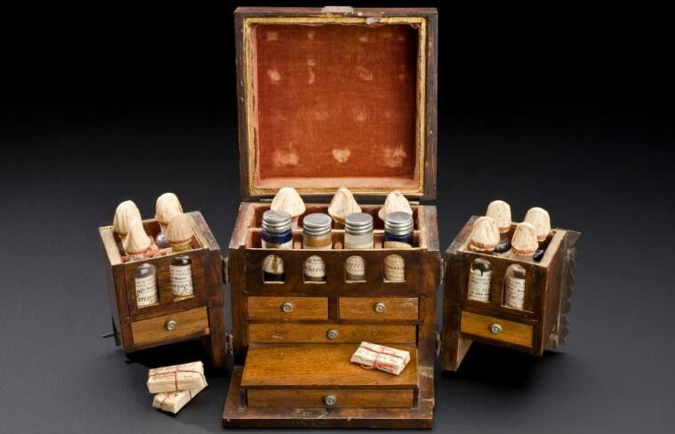 Small walnut medicine chest. Science Museum London. Credit: Wellcome Collection https://wellcomecollection.org/works/ddj3k2gz. CC BY 4.0. https://creativecommons.org/licenses/by/4.0/