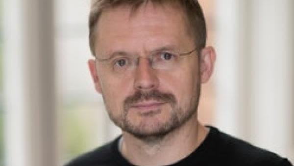 Image of Professor Oliver Pybus