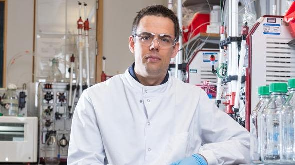 Dr Alexander (Sandy) Douglas in a medical research laboratory