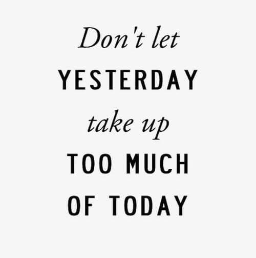 Hôm nay khác hôm qua và ngày mai như thế nào?