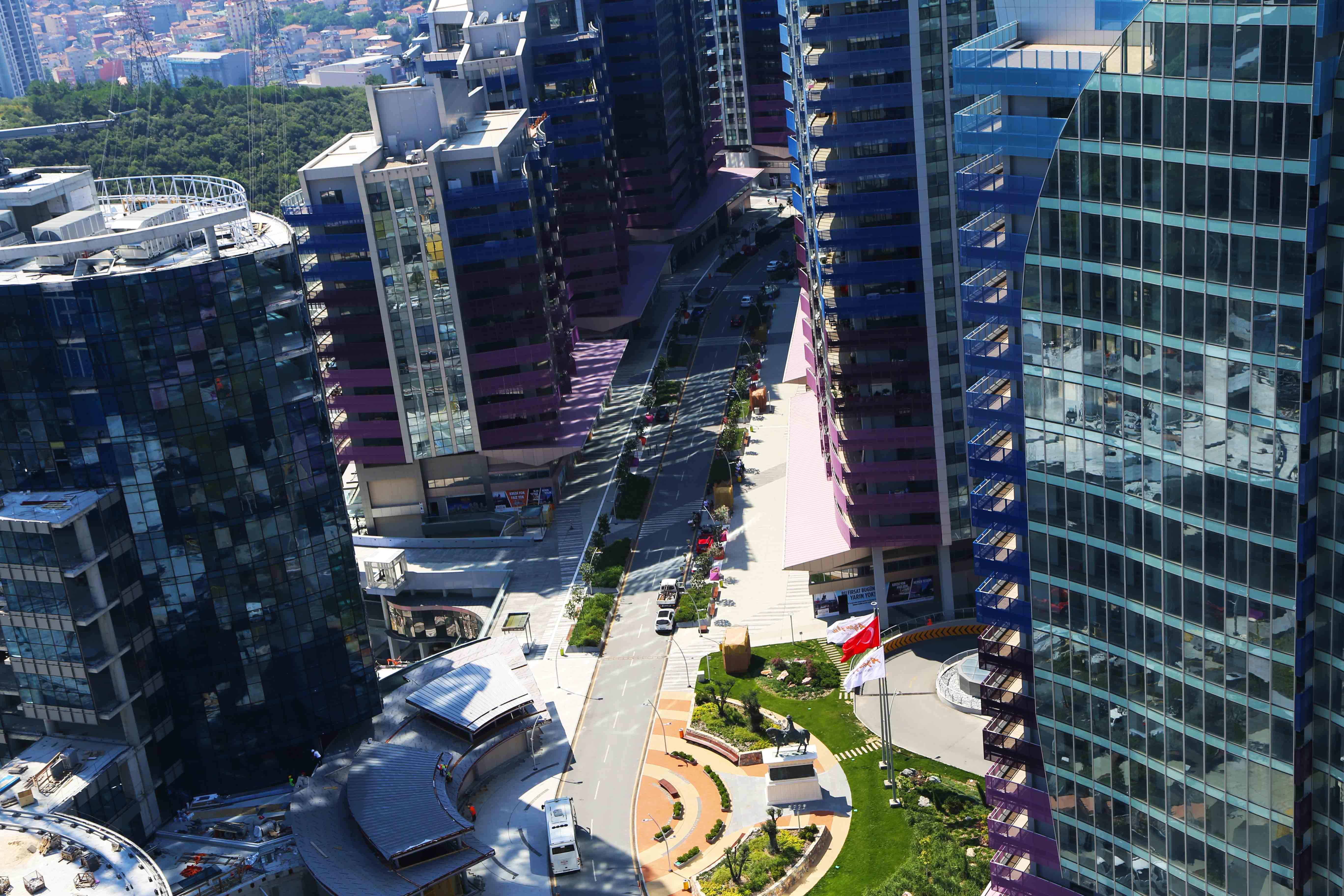 Istanbul Un Yeni Ilgi Odagi Cadde 1453 Emlak Project