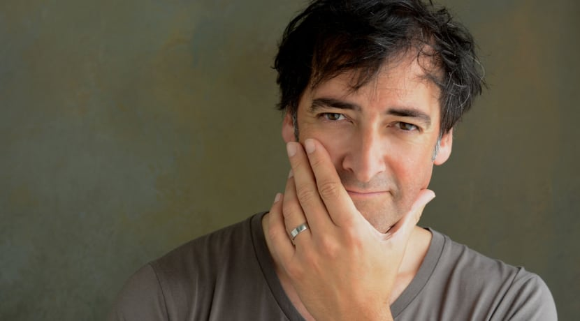 Alistair McGowan embarks on a major new UK tour with The Piano Show