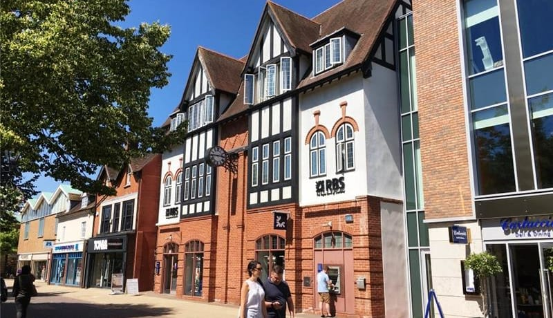 Former Solihull bank expected to re-open as French restaurant