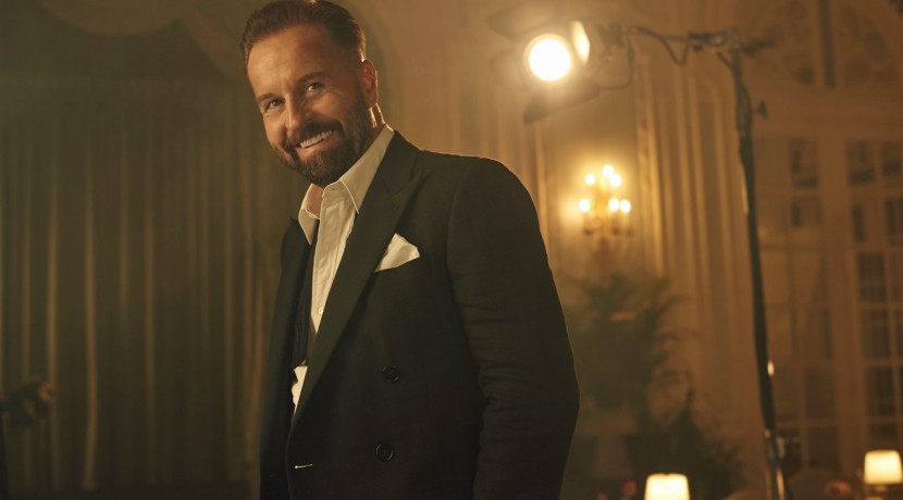 Watch a live stream of Alfie Boe performing live from his home this Sunday