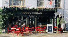 Warwick's The Rose & Crown reopens with extended outside space