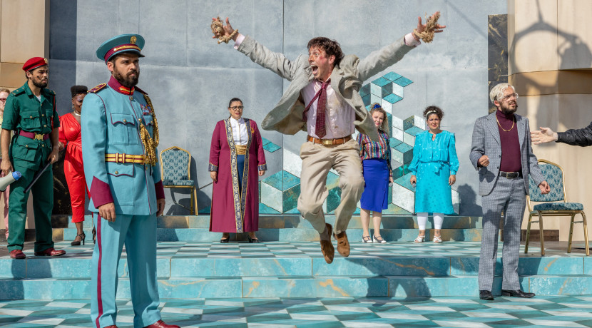 Five stars for RSC'S The Comedy Of Errors