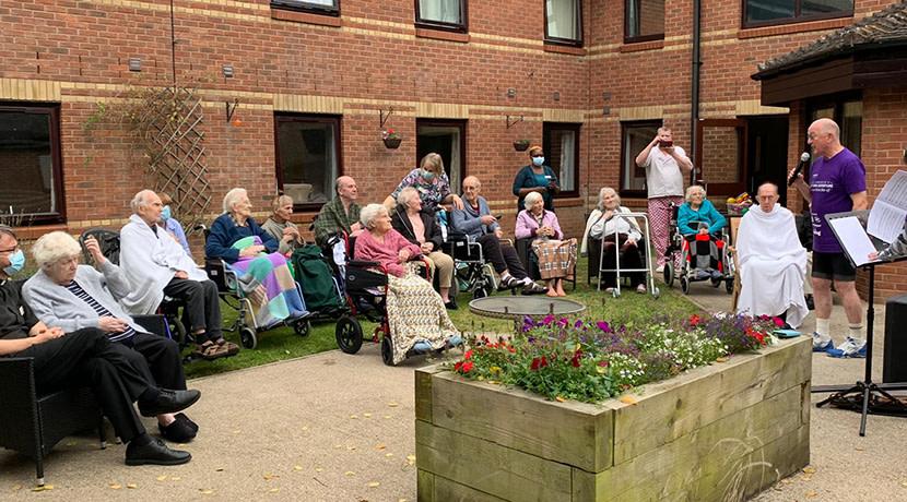 Oz & Armonico's Great Bike Adventure cheers Warwickshire care home residents