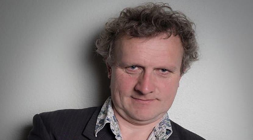 Noel James, Gareth Richards