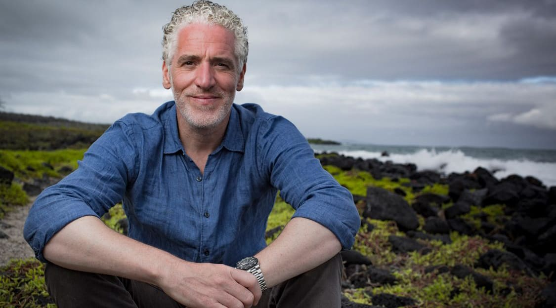 Gordon Buchanan: Animal Families & Me