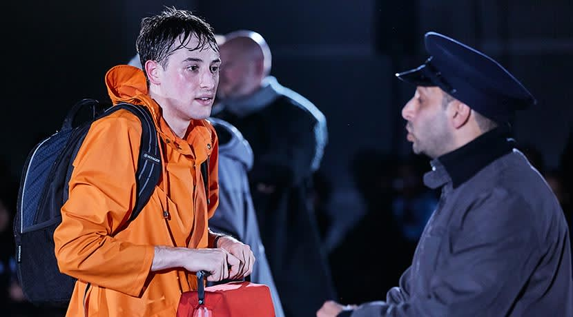 The Curious Incident of the Dog in the Night-Time to tour secondary schools