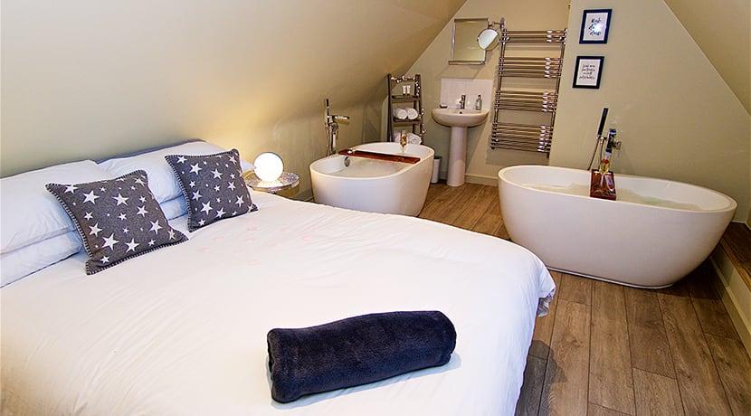 Luxury glamping retreat in Warwickshire unveils brand new lodge