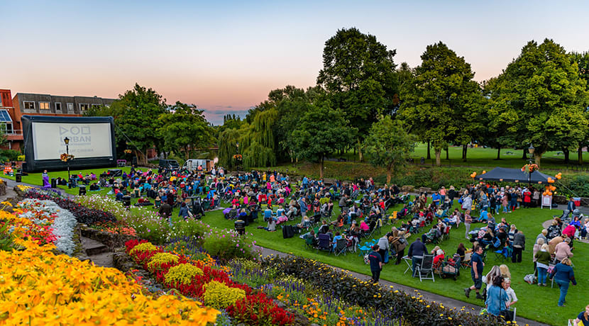 Popular outdoor cinema returns to Tamworth