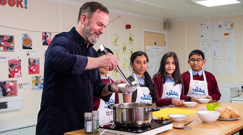 Birmingham students swap pens for pans for cook-a-long with Michelin Star chef Glynn Purnell