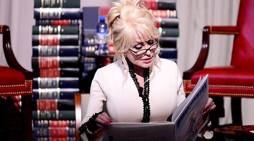 Dolly Parton to perform weekly online bedtime readings for children