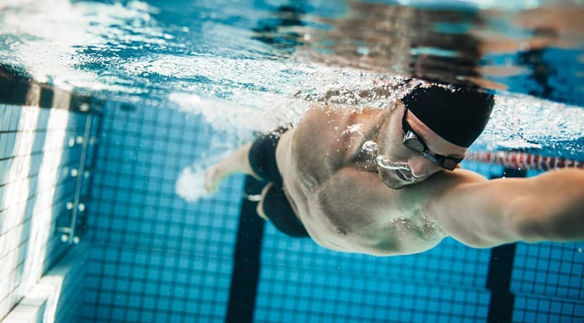Pool at Stoke's New Horizons leisure centre reopens for lane swimming