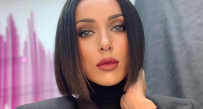 «Ты безупречная»: певица Алсу покорила сеть своим новым селфи