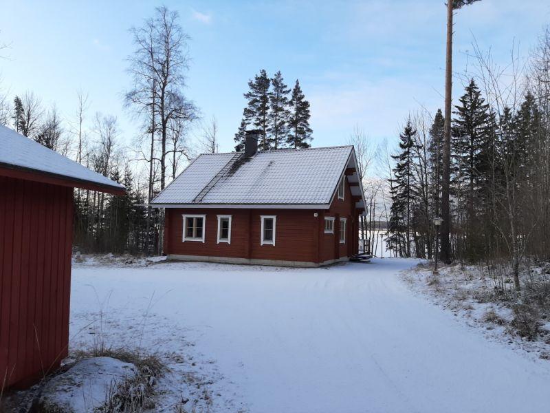 Hiekkuri talvipiha Hykkilän Huvilat