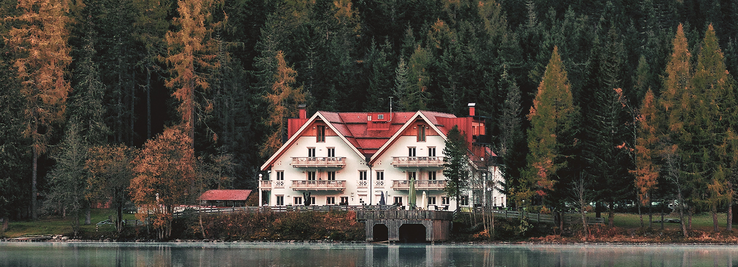 11 Absurd Mansions You Can Rent For Vacation