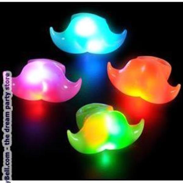 Light Moustache Ring