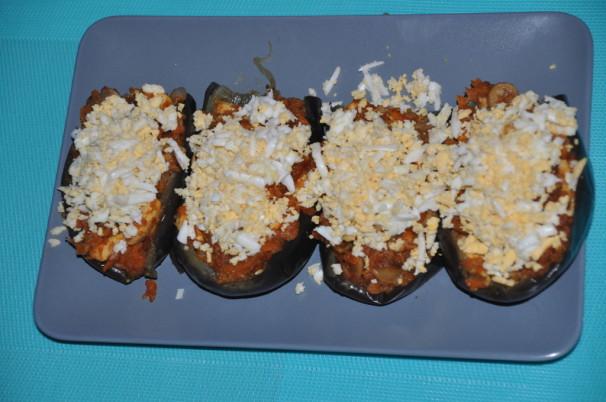 Berenjenas rellenas con pollo y verduras