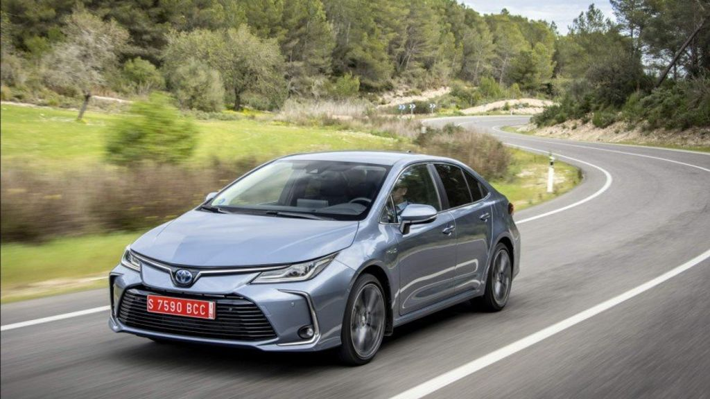 The 'Green Car' of the Year is the 2020 Toyota Corolla Hybrid - Automark