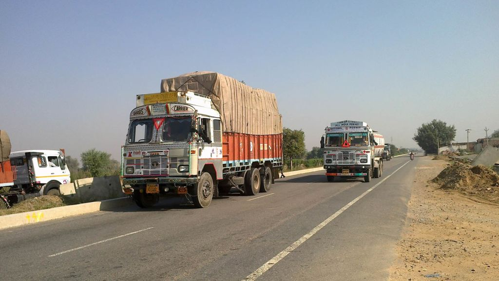 Overloading ban  – Federal government enforces a weight limit on trucks - Automark