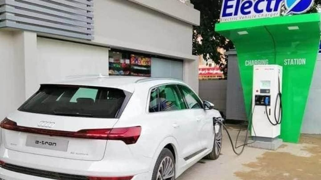 Omar Ayub inaugurates PSO's first EV charging facility in Islamabad - Automark