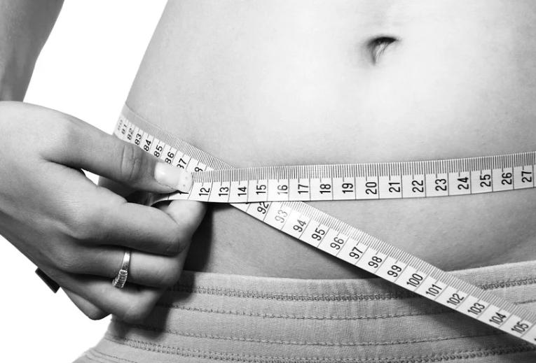 Дієтолог назвав 5 помилок, що призводять до швидкого набору ваги під час карантину