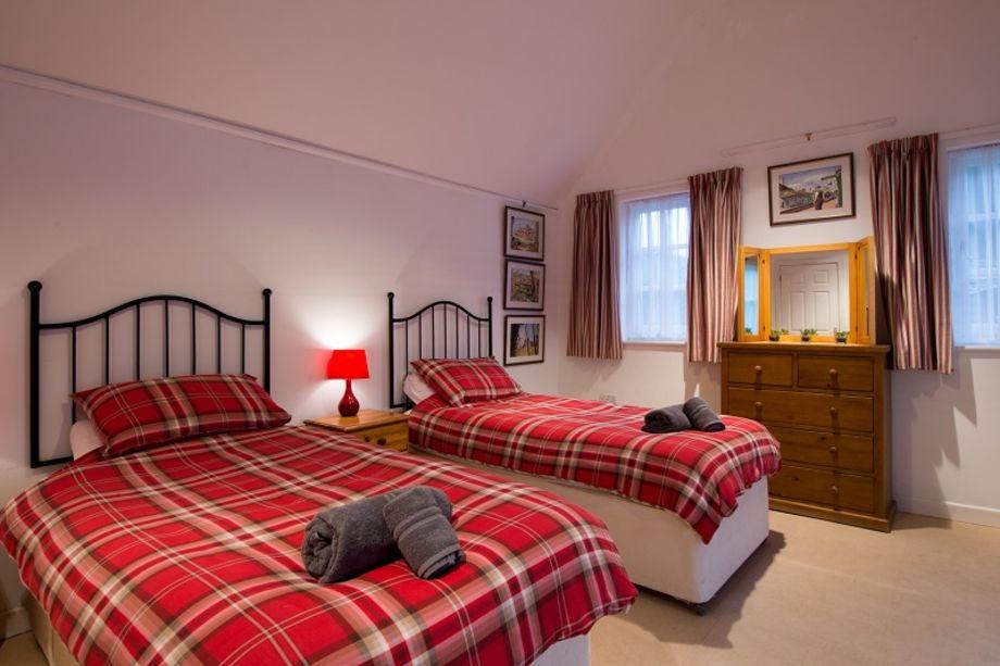 Large ground floor twin bedroom