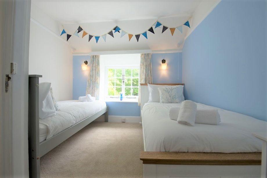 Bedroom 3 - a pleasant twin bedroom