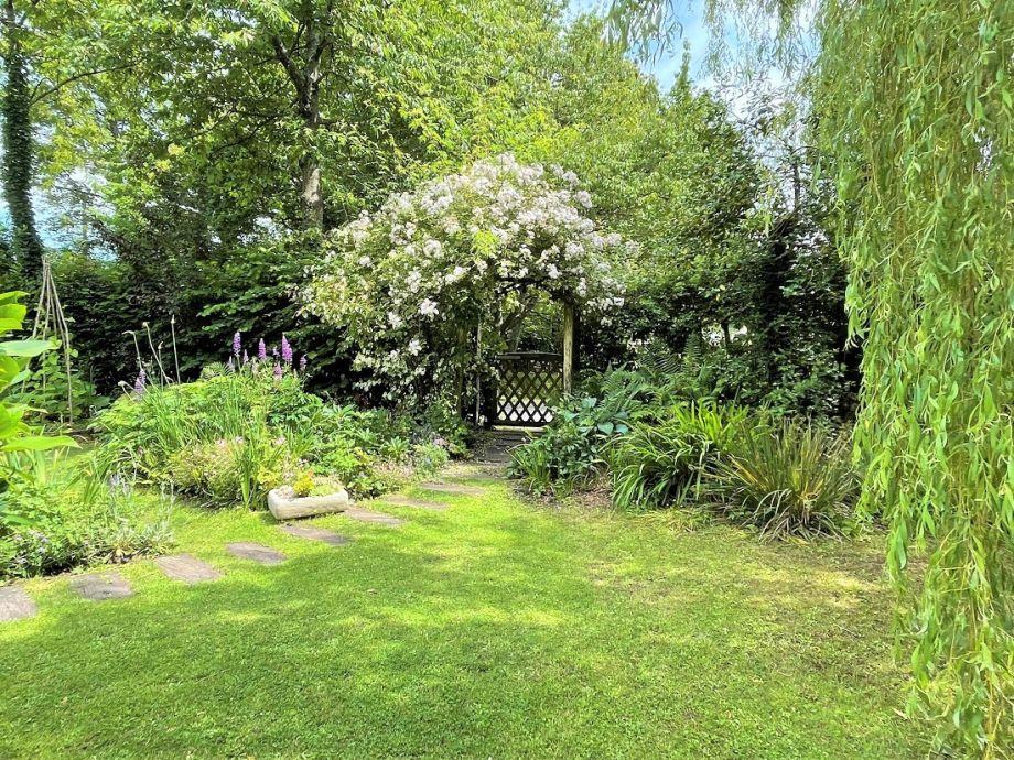 Walk through the garden gate and Studland Beach is only a 5 minute walk away!
