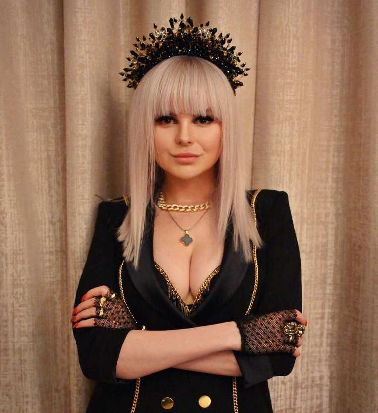 Алиса Вокс пожаловалась на травлю от Юлии Коган во время выступлений в «Ленинграде»