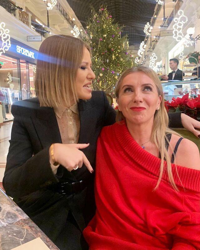 Ксения Собчак сообщила, что особенная дочь Светланы Бондарчук вернулась в Россию