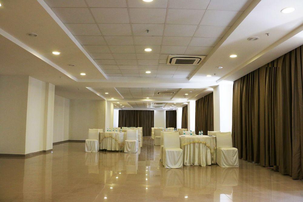 <p>Banquet Hall</p>