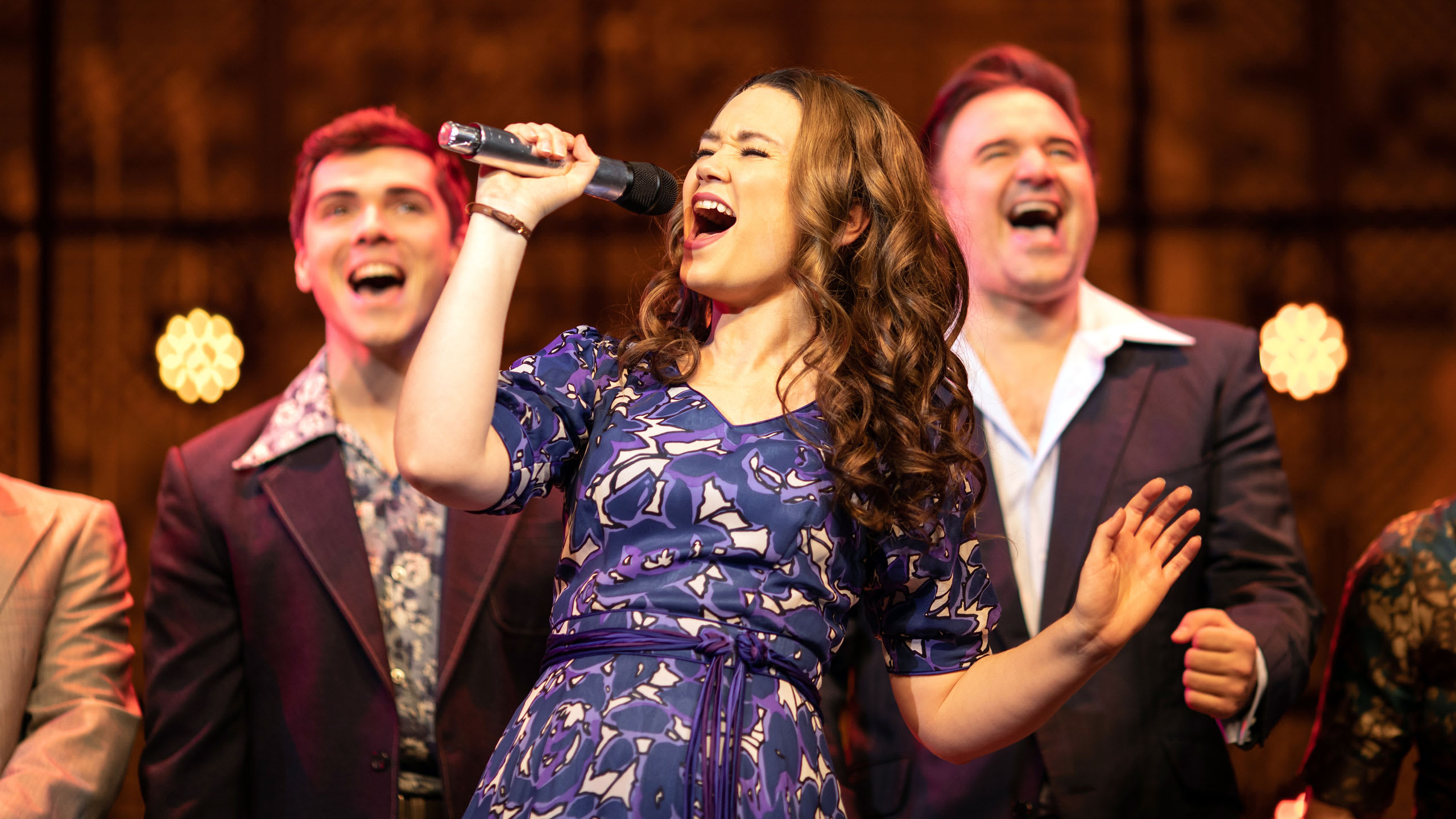 Beautiful - The Carole King Musical Prod Shot