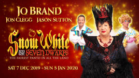 Snow White at Richmond Theatre