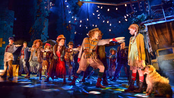 Annie at New Wimbledon Theatre