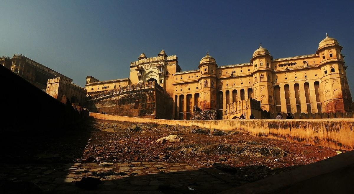 New Year's Rajasthan Backpacking to Udaipur Jaisalmer Jaipur| Just Wravel