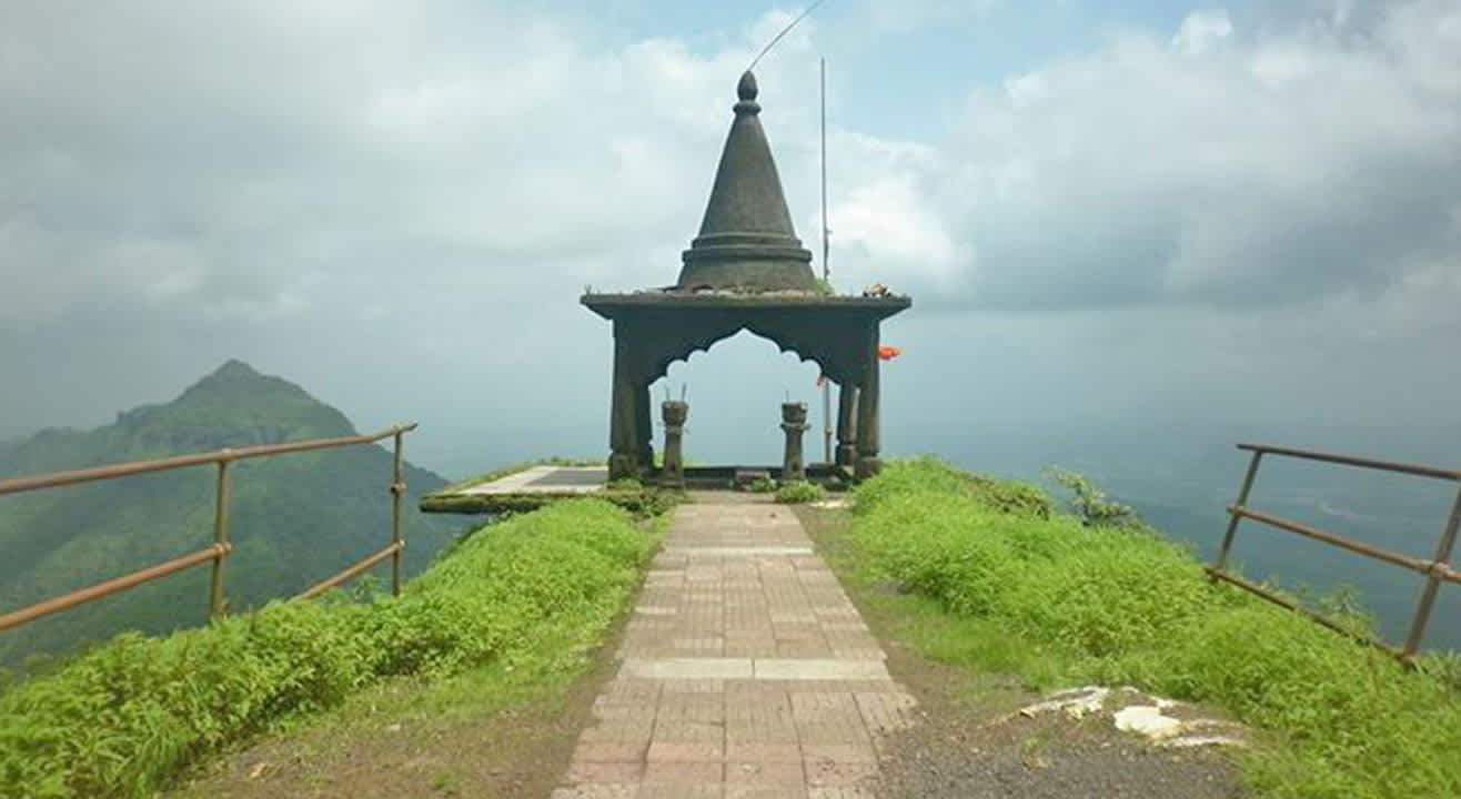 One day Trek to Peb Fort