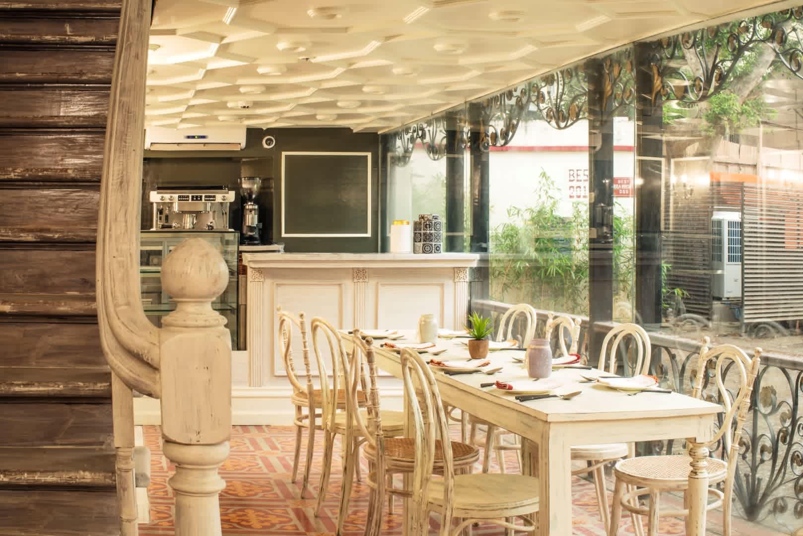 Cafe & Wine Bar