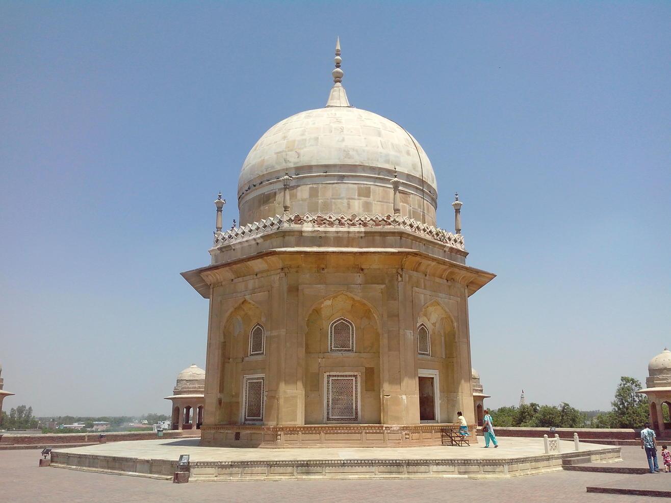 Sheikh Chilli's Tomb, Thanesar
